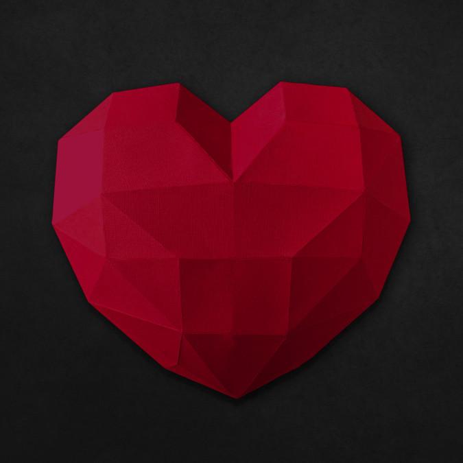 Rotes Herz auf dunkel grauen Hintergrund